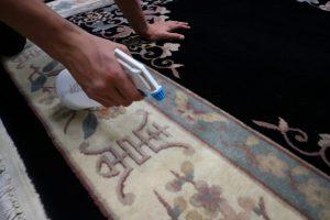 vlekken verwijderen vloerkleed